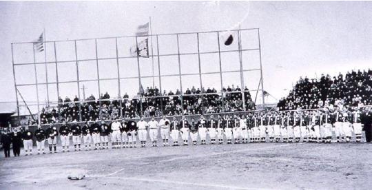 昭和9年、湯の川球場で行われた日米野球大会