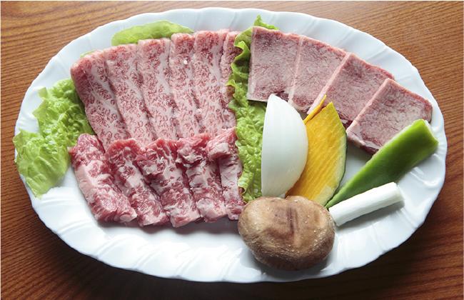和牛ミックスセット(カルビ、サガリ、上タン)ライス・スープorみそ汁付き3050円